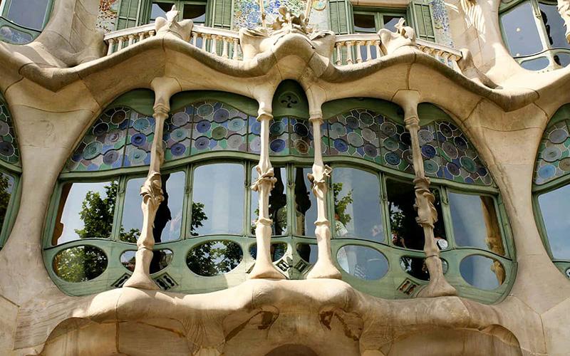 Detalhes da fachada da Casa Batlló em Barcelona
