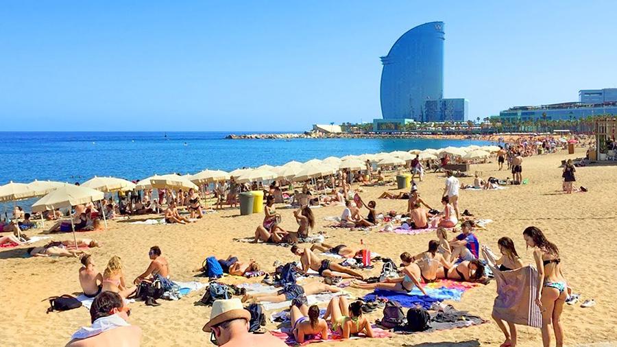 Verão na Praia Barceloneta