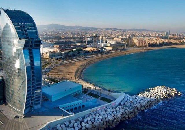 Onde ficar em Barcelona: Praia de Barceloneta