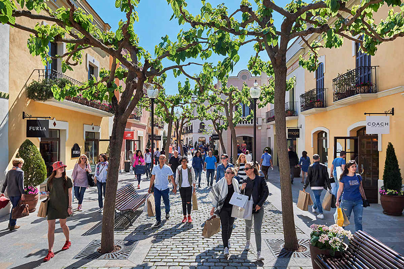 La Roca Village Outlet Shopping em Barcelona