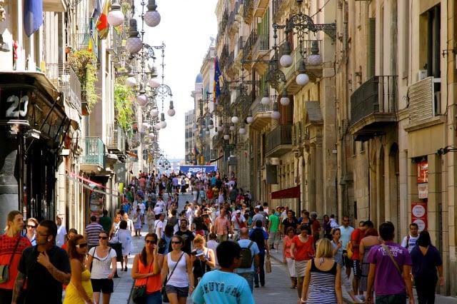 Taxas e impostos nas compras em Barcelona e Espanha