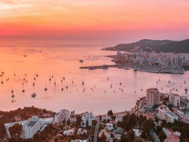 Como viajar muito barato a Ibiza