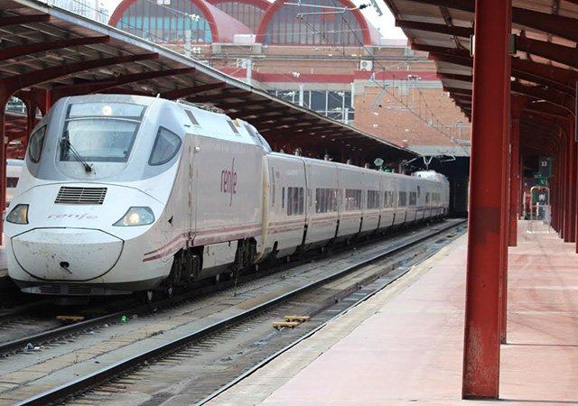 Viagem de trem de Barcelona a Madri