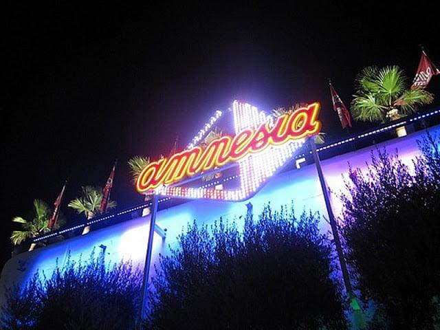 Balada Amnesia em Ibiza