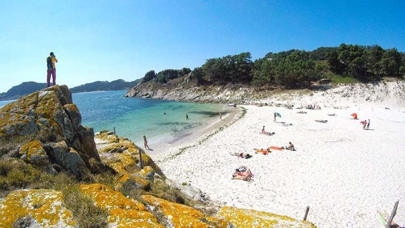 Viagem de ferry entre Vigo e as Ilhas Cíes