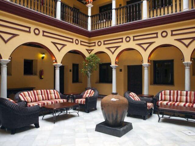 Hotéis bons e baratos em Sevilha