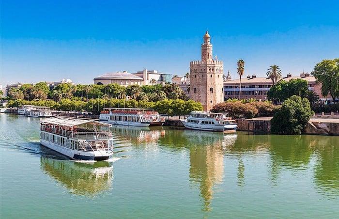 Passeios de barco no Rio guadalquivir em Sevilla