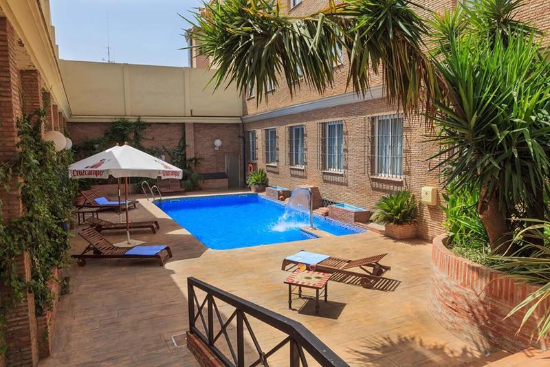 Área de lazer do Hotel Bellavista Sevilla