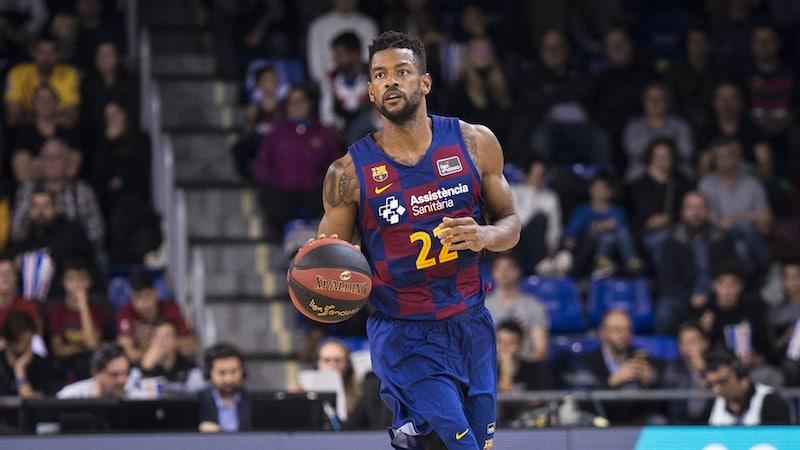 Jogador de basquete em Barcelona