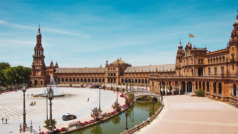 Meses de alta e baixa temporada em Sevilha