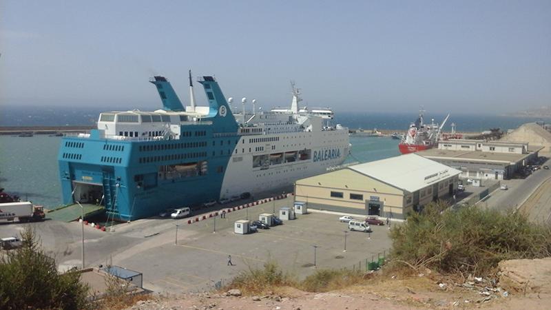 Embarque de ferry na Argélia
