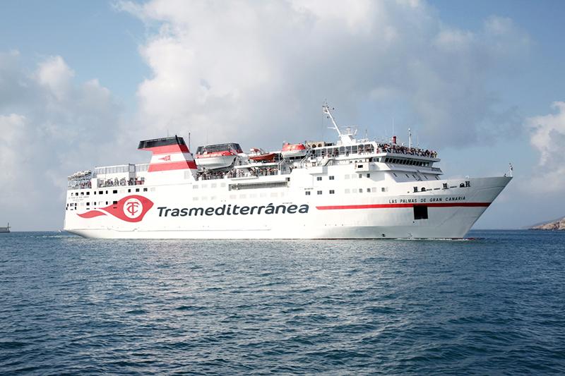 Ferry da empresa Trasmediterranea