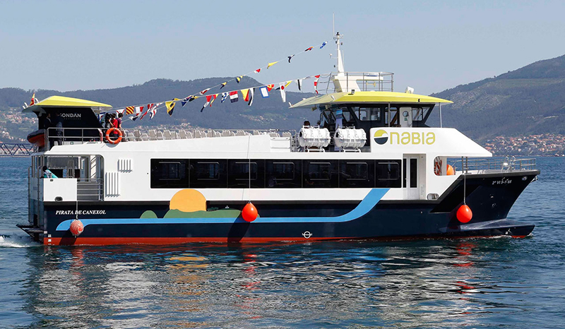 Ferry da empresa Naviera Nabia