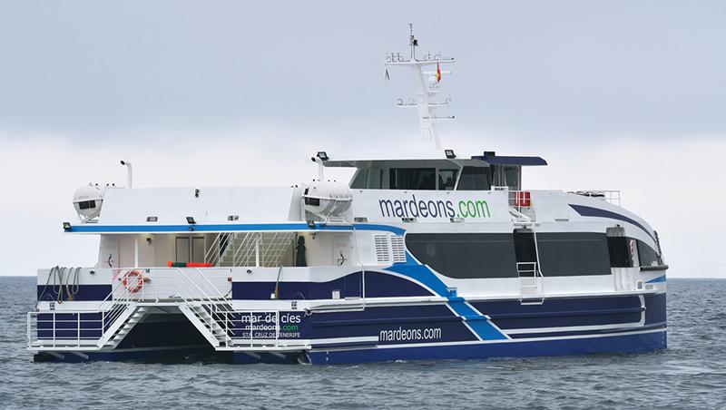 Ferry da Empresa Mar de Ons